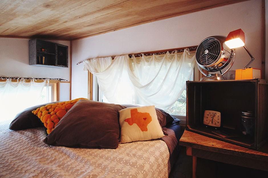 austin tiny home bed