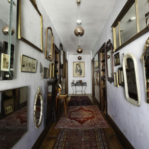 cropped-hallway-dewitt-oak-hill